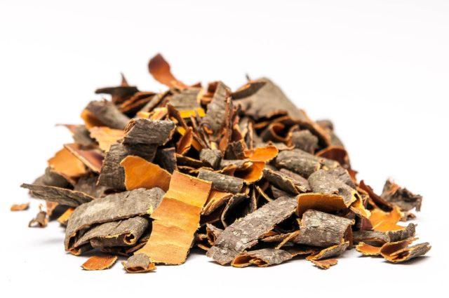 Самым простым способом использовать лекарственную кору от простатита является отвар, который пьют как чай в соответствии с инструкцией