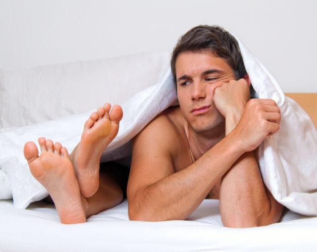 Активные вещества блокируют фермент в мужском организме дигидротестостерон, который вырабатывается в результате синтеза тестостерона, из-за него размножаются клетки предстательной железы