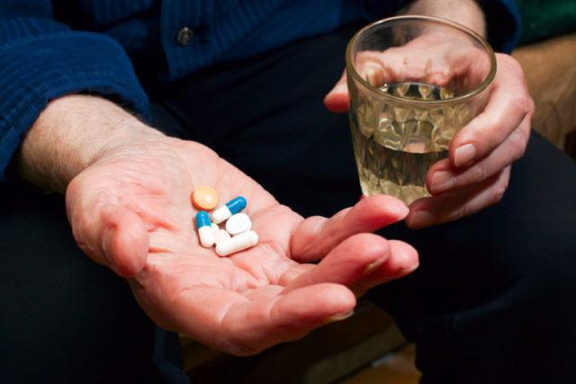 Специалисты рекомендуют выполнять прием лекарства в одинаковое время дня