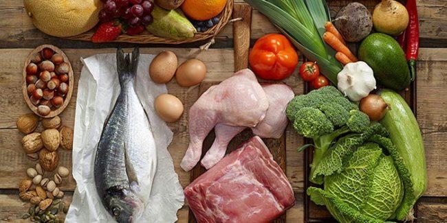 Улучшают работу кишечника также кисломолочные продукты, в частности кефир