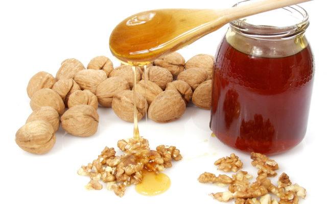 Мед при хроническом простатите также можно использовать, просто добавляя в еду