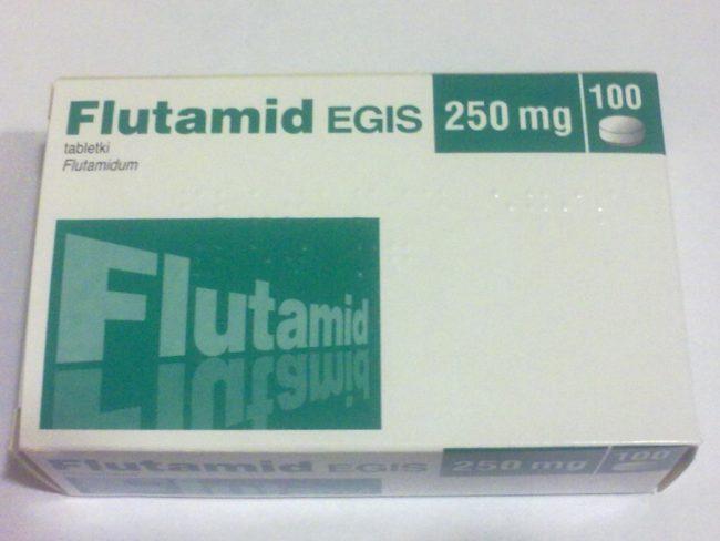 К средствам, блокирующим взаимодействие тестостерона со злокачественным образованием, принадлежат Бикалутамид, Флутамид, Нилутамид и другие препараты