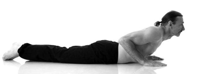 Любые физические упражнения будут благотворно влиять на предстательную железу, поэтому если имеется простатит – не стоит медлить, лучше постепенно освоить определенные позы