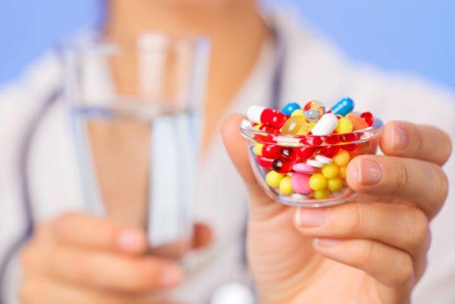 Лечение проводится только в стационаре, поскольку оно подразумевает капельницы и уколы