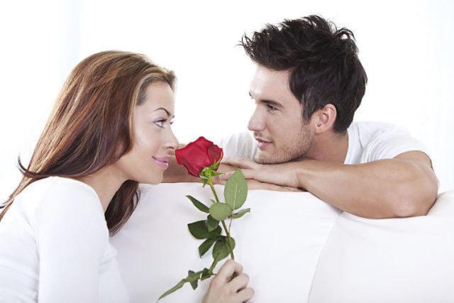 От секса отвлекают материальные трудности и нарушения здоровья