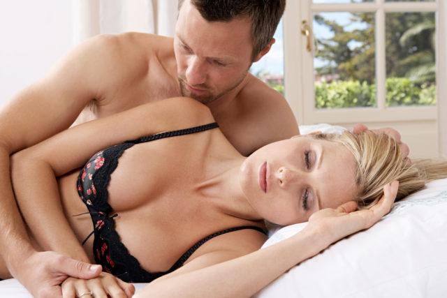 Возбудить первом как знакомстве при девушку