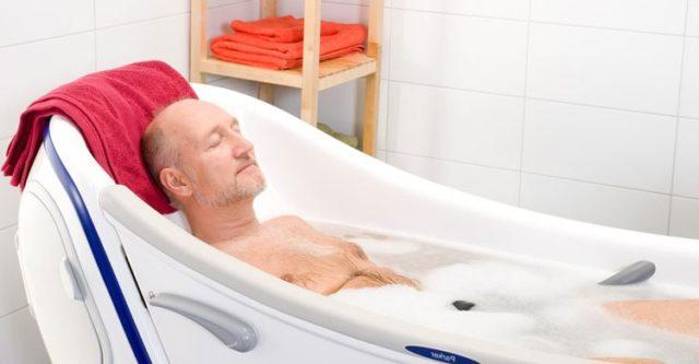 Целесообразно применять теплые ванны, в которые можно добавить растительные сборы